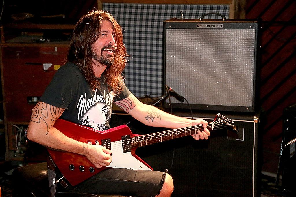 Rocker Dave Grohl fires up the barbecue to help L.A. firefighters