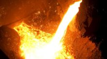 US Raw Steel Production Slips, Slumping Prices Raise Red Flag