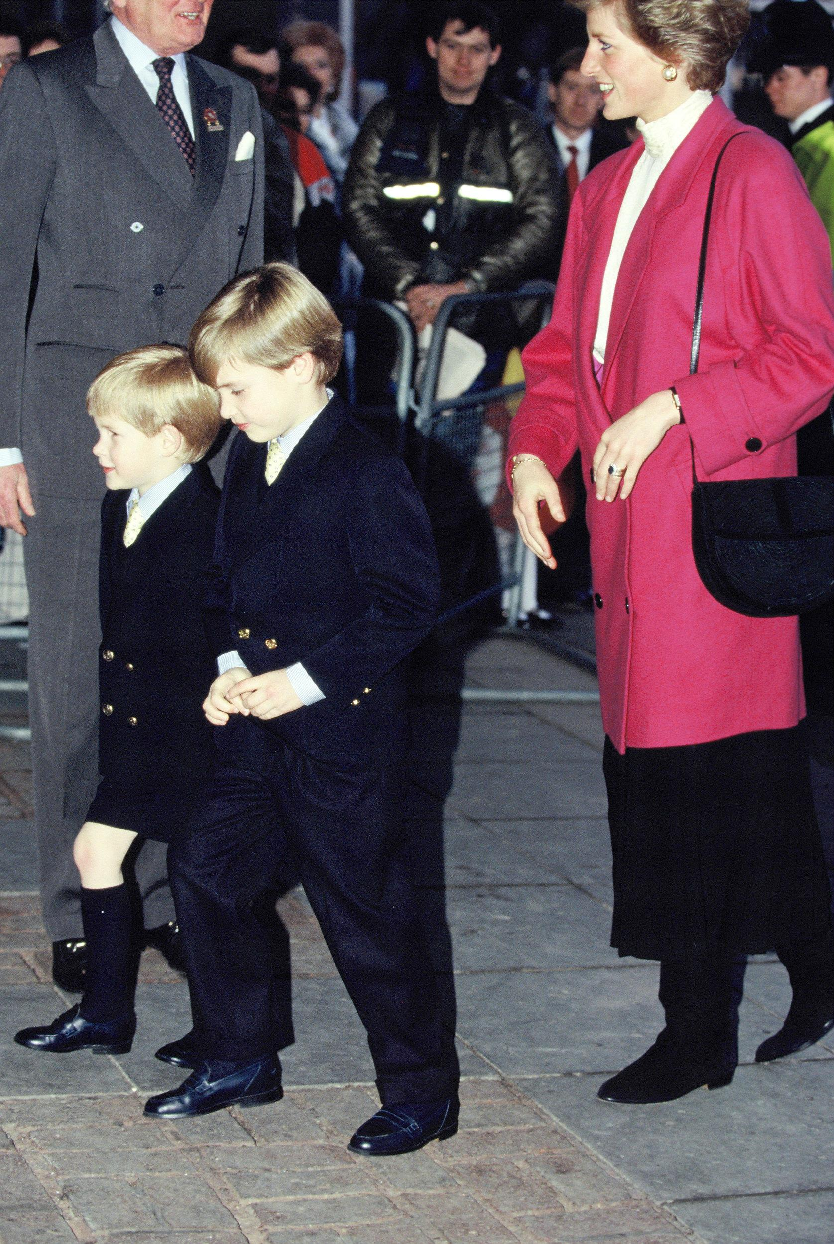 Diana, Princess of Wales, with her sons Prince Harry (L) and Prince William in 1988 ca. in London, England.  (Photo by Georges De Keerle/Getty Images)