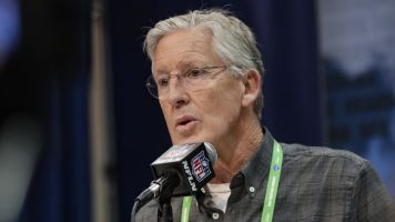 Carroll's compliments toward Kaepernick fall flat