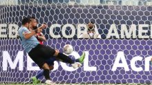 Chile advance at Copa with Uruguay draw