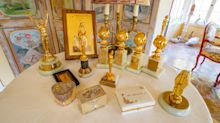 Doris Day auction to feature late star's Golden Globe awards