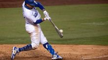 Betts gets rare start at 2B for Dodgers vs. Diamondbacks