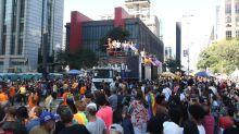 23ª Parada do Orgulho LGBT reúne milhares em São Paulo