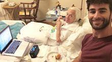 Homem convida vizinha de 89 anos para morar em sua casa e se tornam melhores amigos