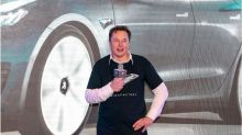 Tesla shrugs off pandemic as sales hit new record