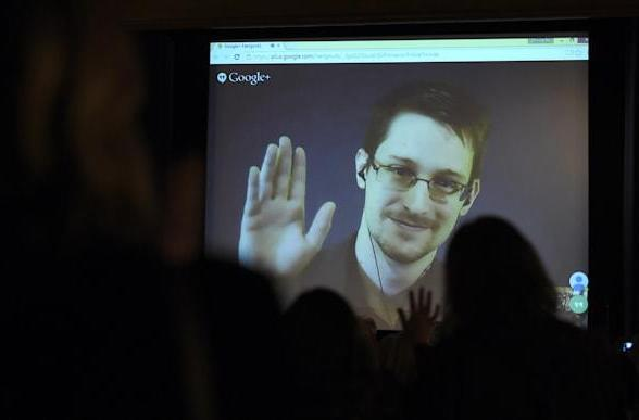 Snowden in talks to come home -- still holding out for a fair trial
