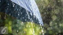 Plafon Gereja MKK Ambrol Diduga Tak Kuat Menahan Rembesan Hujan