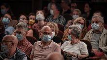 Coronavirus : des médecins demandent le port du masque obligatoire en lieux fermés