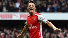 Özil não é inscrito pelo Arsenal para a Liga Europa