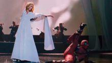 Deadpool y Celine Dion nos traen la balada de la temporada; en serio
