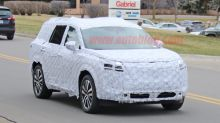 2021 Nissan Pathfinder spied with chiseled new look