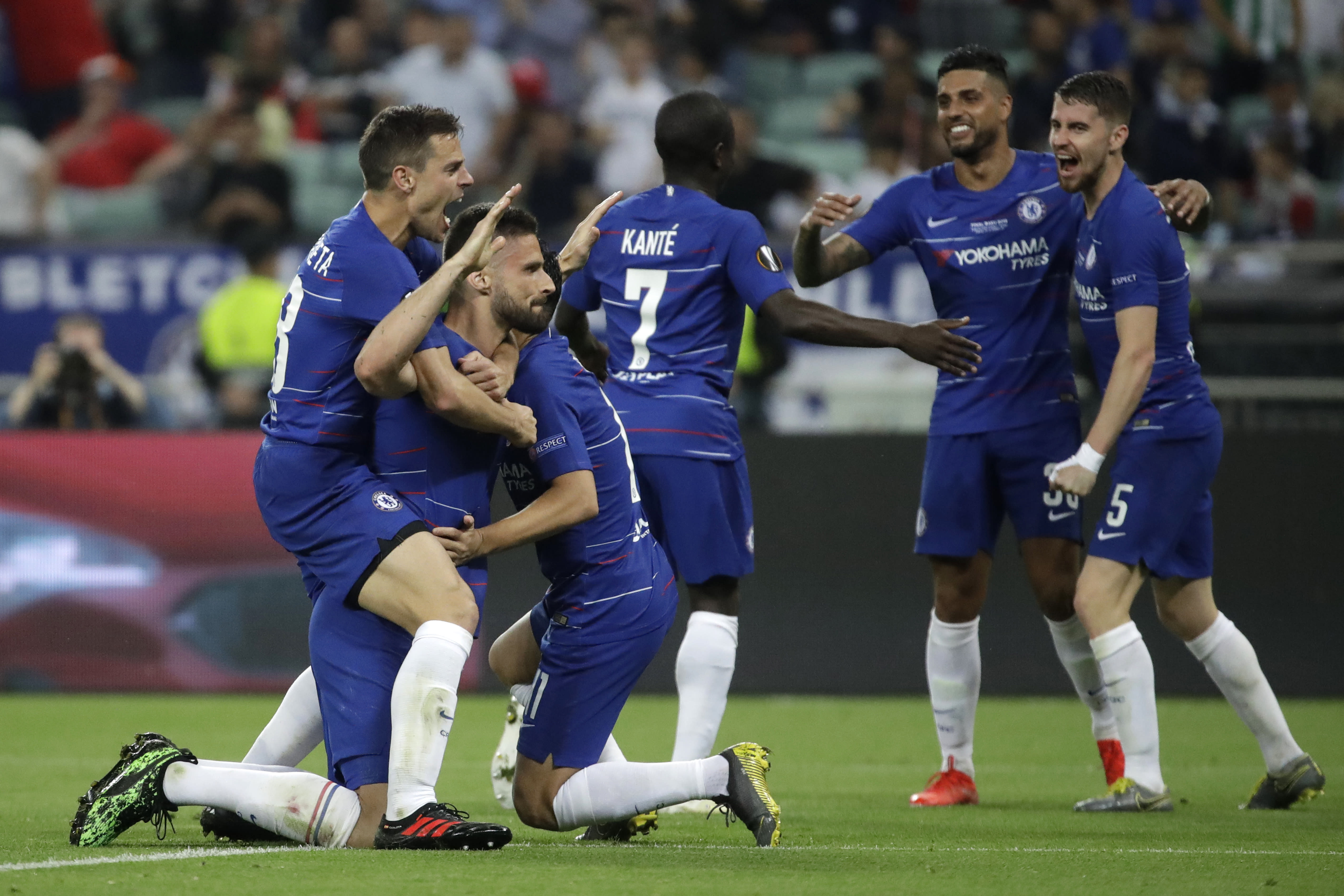56c615e39 Hazard scores 2 as Chelsea beats Arsenal 4-1 in EL final