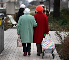 Elderly Who Stay Sharp into Old Age Smoke, Drink and Think Positively