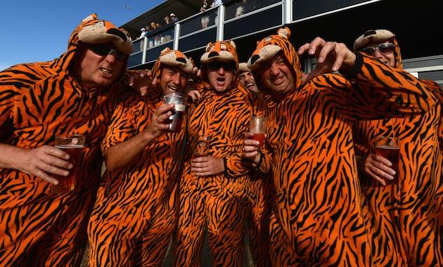 Check out these grown men wearing tiger costumes while following Tiger Woods  sc 1 st  Yahoo Sports & Check out these grown men wearing tiger costumes while following ...