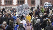 """Coronavirus in Deutschland: Mehr als 1.000 Menschen bei """"Querdenken""""-Demo in Dortmund"""