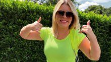 """Marília Mendonça comemora perda de peso nas redes: """"Vesti uma saia 40"""""""