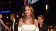 Kim Kardashian ayudó a Caitlyn Jenner con su vestido