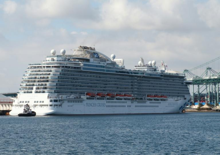 Trump encourages cruise lines that want stimulus money to register in US