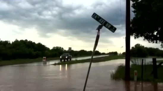 Raw Video: Norman flooding