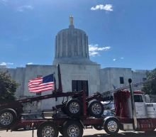 Oregon Republican Party mocks armed militia threat, despite capitol building being closed due to armed militia threat