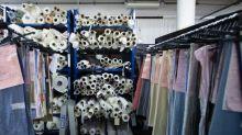 """""""Cette crise a permis de prendre conscience de l'importance de relocaliser"""" : quand la mode retisse des liens avec les industries françaises"""