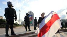 Milhares de manifestantes desafiam a repressão de Lukashenko em Belarus