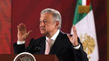 """López Obrador dice que manifiesto de intelectuales críticos da """"pena ajena"""""""