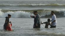 Dozens feared killed in Karachi heatwave: charity