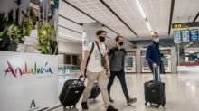 Vacanza studio a Malaga, sei studenti italiani positivi al Covid: quarantena disposta per 12 ragazzi