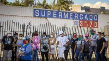 Demanda por dólar aumenta em Cuba e enfraquece moeda local