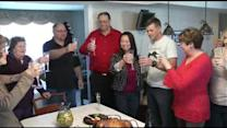 Del. soldier gets belated Thanksgiving meal
