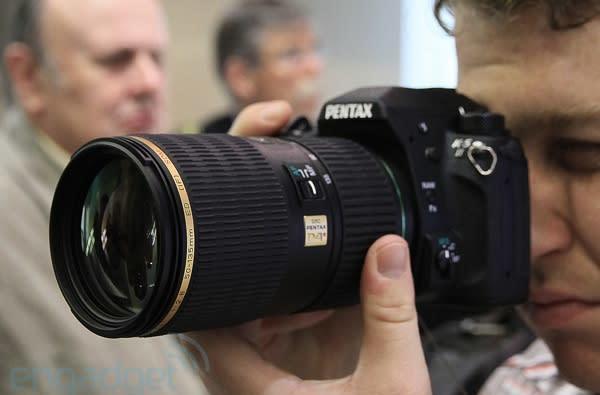 Pentax K-5 II and K-5 IIs hands-on (video)
