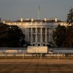 Facebook blocks new events near White House and Capitol