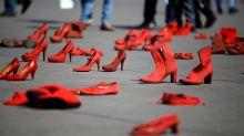 Rote Schuhe - ein Zeichen gegen Frauengewalt in Mexiko