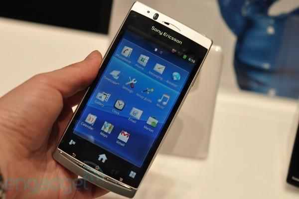 Sony Ericsson Xperia Arc announced, we go hands-on (update: video!)