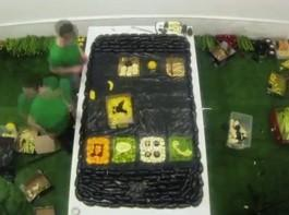 No Comment: A fruit-filled iPhone 5 that you can eat