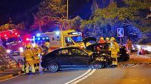 荃錦公路兩私家車迎頭相撞 5人受傷送院