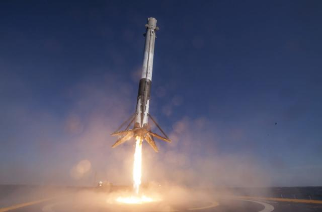 SpaceX aims to reuse rockets within 24 hours by 2018