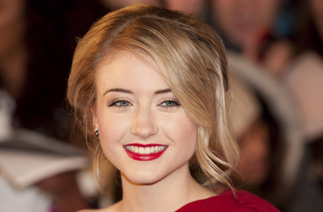 Hollyoaks Spoilers Ashley Slanina Davies To Return As Amy Barnes With Duncan James As Her On