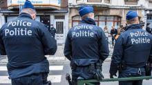 """Un jet de cocktail molotov sur le Parlement belge en """"représailles""""  à la gestion de la crise sanitaire"""