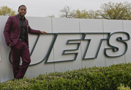 The Jets' Darron Lee was New York's top pick in the 2016 NFL draft. (AP)