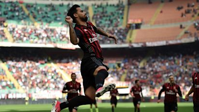 Tottenham target Suso rules out AC Milan exit after changing his agent