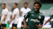 Luxa confirma Luiz Adriano em viagem para jogo na Libertadores