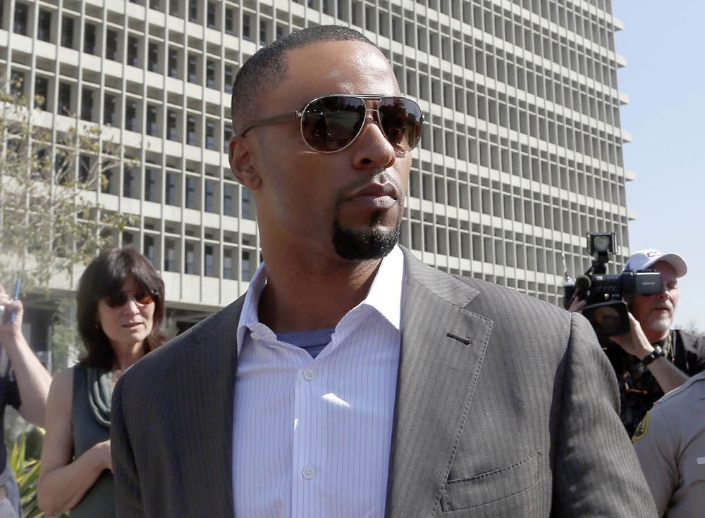 Ex-NFL safety Sharper surrenders in Los Angeles