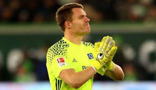 Bundesliga: HSV in Torwartnot: Knie bei Mathenia stark angeschwollen