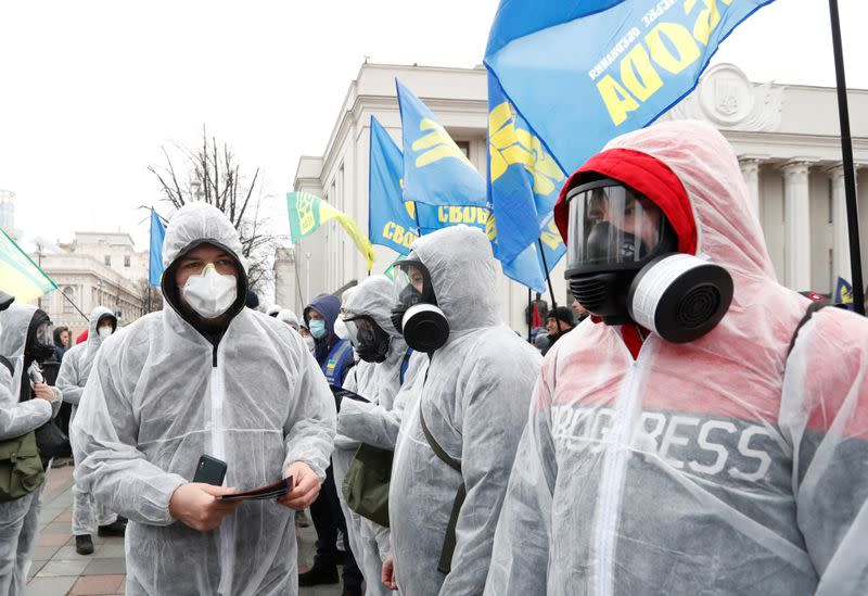 Robbers grab 100,000 surgical masks at gunpoint as Ukraine enters shutdown