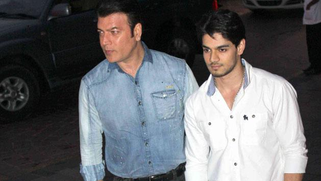 Aditya Pancholi And Sooraj Pancholi in party mood after Jiah Khan's death.