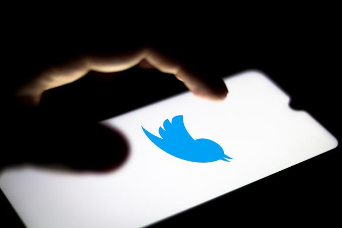 BRAZIL - 2020/06/19: In this photo illustration the Twitter logo seen displayed on a smartphone. (Photo Illustration by Rafael Henrique/SOPA Images/LightRocket via Getty Images)