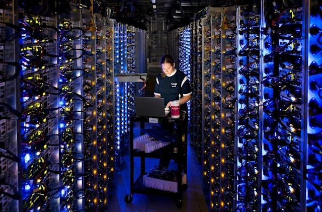 Take a 360-degree video tour of Google's Oregon data center